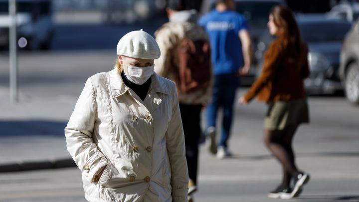 Губернатор снял самоизоляцию по коронавирусу с волгоградских медиков старше 65 лет и ценных кадров