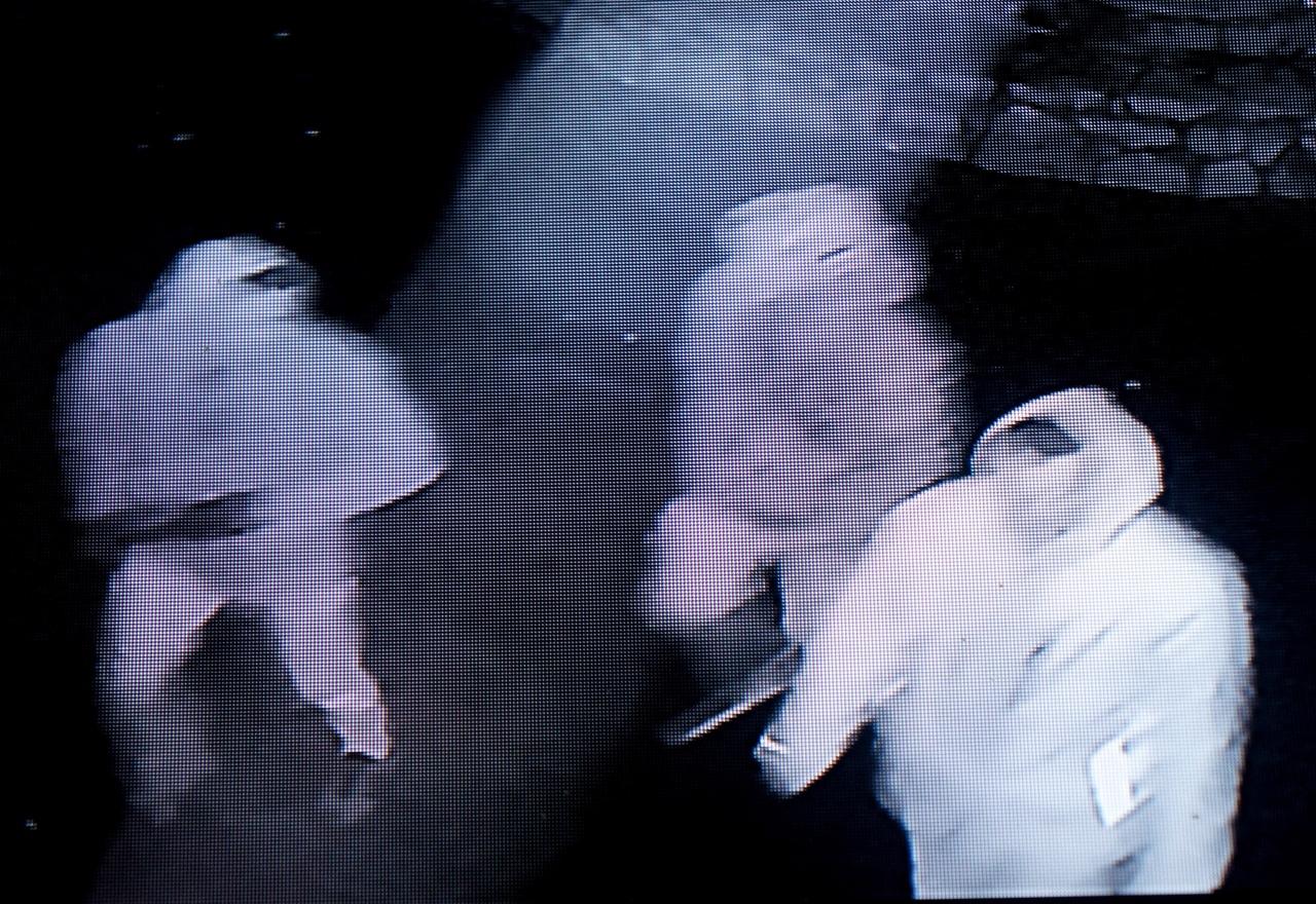 Вандалы попали на камеры видеонаблюдения