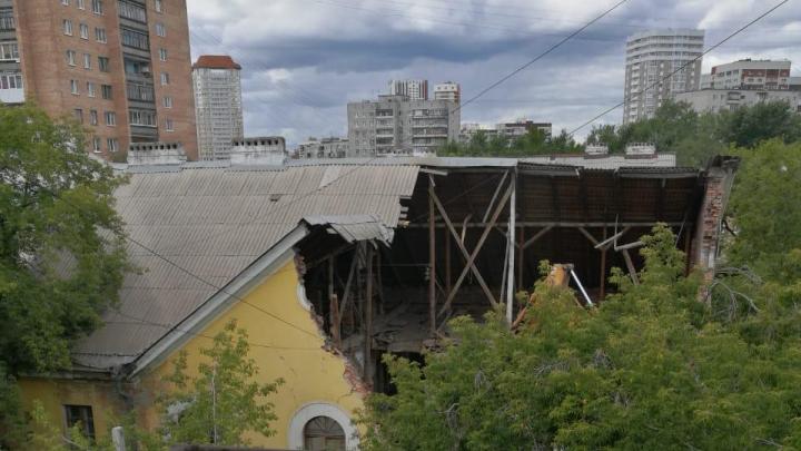 В Екатеринбурге начали сносить трехэтажки в Железнодорожном районе, где появится новый жилой квартал