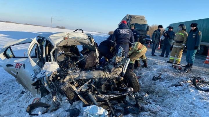 Появилось видео смертельной аварии на трассе Тюмень — Омск