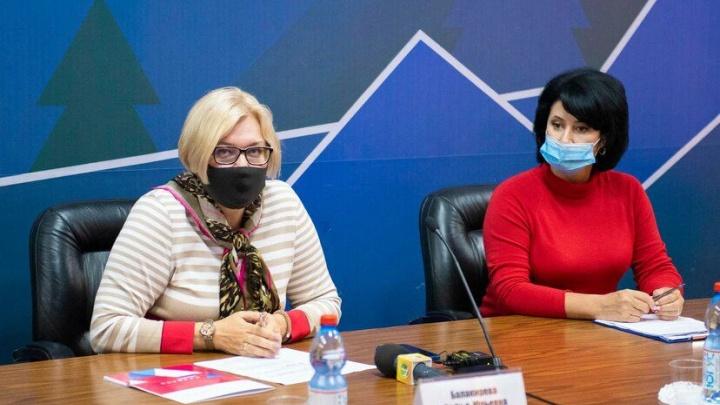 «25% поражения легких»: министр образования Кузбасса рассказала, что заболела коронавирусом