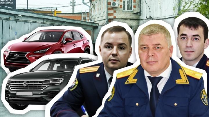 ВИП-гаражи руководителя и замов СКР Тюменской области: смотрим, как за год изменились их частные автопарки