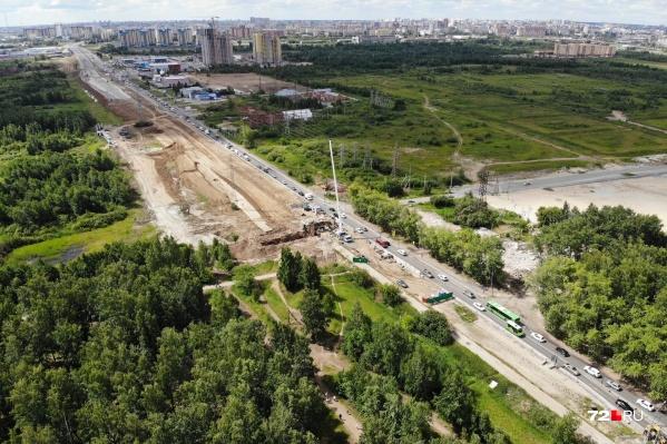 Аварийность на тюменских дорогах будут снижать с помощью шумовых полос
