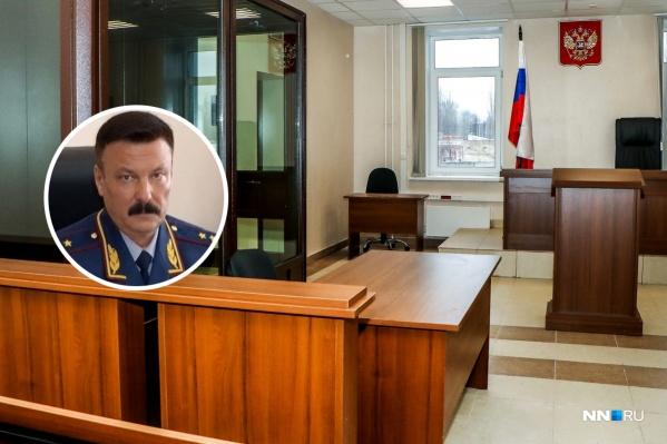 Перед арестом Николай Теущаков спешно ушел на больничный, а потом был снят с должности начальника ведомства указом президента