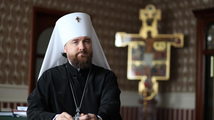 «Береженого Бог бережет»: из-за коронавируса в храмах Челябинска ужесточают меры безопасности