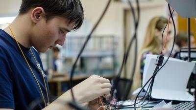 Разработать игру и обучить нейросеть: высший колледж информатики НГУ открыл набор в летнюю онлайн-школу