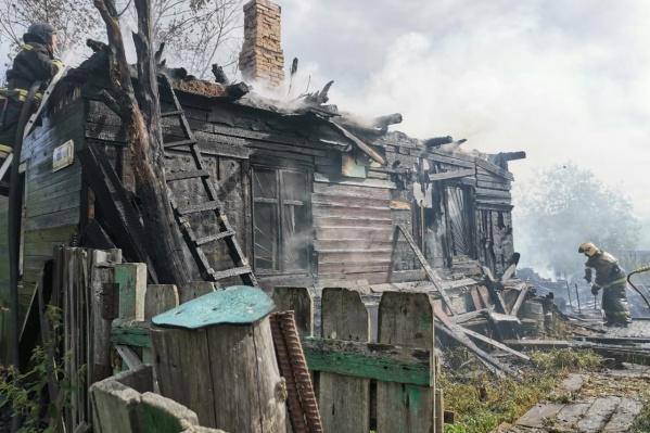 Дом загорелся около полудня 12 августа