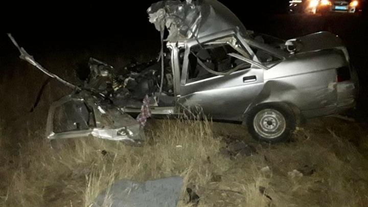 В Башкирии 22-летний парень на ВАЗ-2110 врезался в КАМАЗ