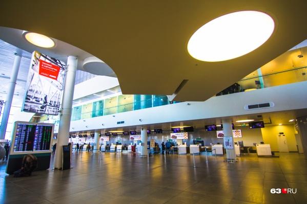 С начала пандемии — с марта 2020 года — количество пассажиров в самарском аэропорту резко уменьшилось