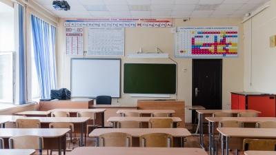В Москве школьникам из-за коронавируса продлили каникулы. А в Перми будут? Отвечает Министерство образования Прикамья