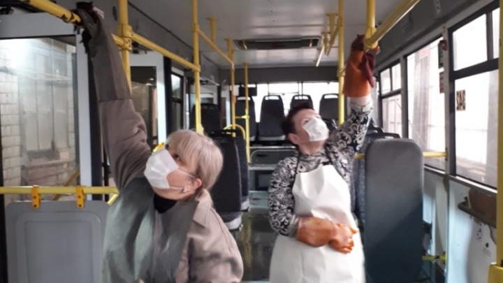 Спасибо коронавирусу: ростовские автобусы вымоют и продезинфицируют