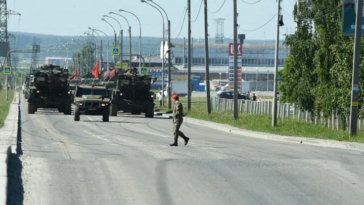 В Екатеринбурге вторая репетиция парада Победы: показываем, какие улицы перекрывают