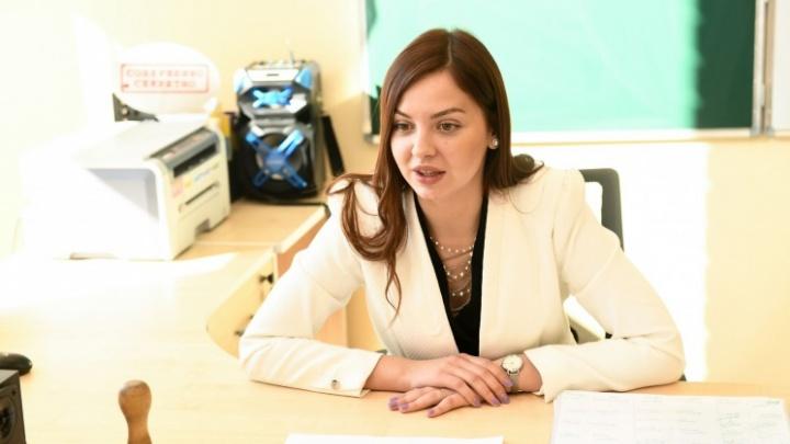«А мы флексить-то будем?»: история очень красивой учительницы из TikTok