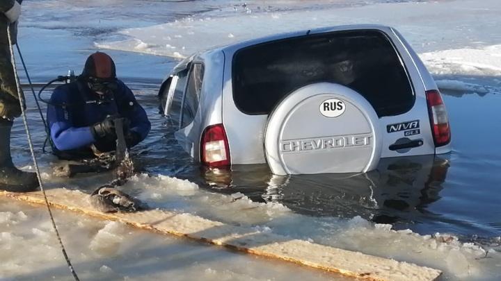 В полиции рассказали подробности того, как «Нива» провалилась под лед на Оше