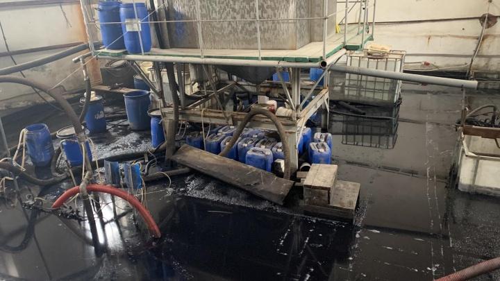 В Богородске кожевенный завод залило нечистотами — мэрия борется с экологической катастрофой