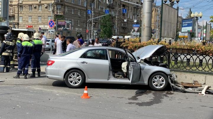 Количество пострадавших в ДТП с маршруткой в центре Волгограда увеличилось до семи человек