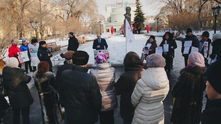 Челябинцы проигнорировали пикет против внесения поправок в Конституцию