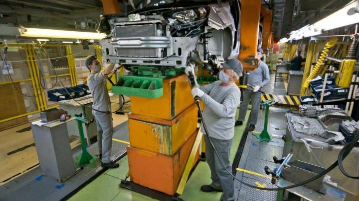 АВТОВАЗ сообщил о возобновлении производства
