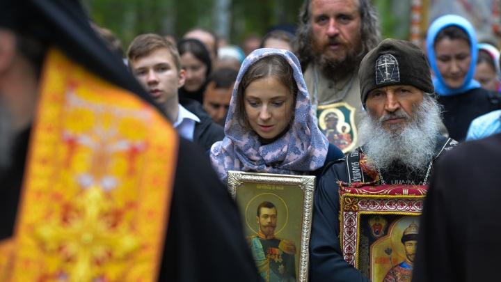 Схиигумена Сергия, который проклял тех, кто закрывает храмы, лишили права проповедовать