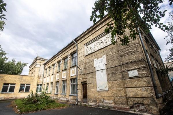 Деньги на реконструкцию школы выделят из бюджета Новосибирской области