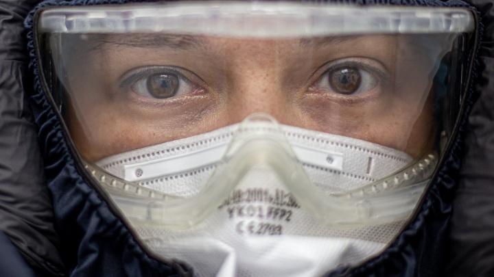 «Мы — расходный материал». Как письма читателей позволяют нам видеть изнанку пандемии коронавируса