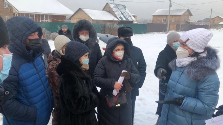 В Омске совсем скоро завершат подведение водопровода к участкам для многодетных семей