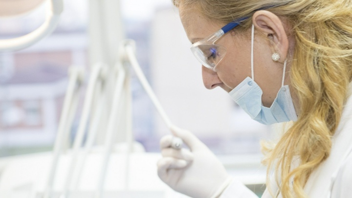 Тольяттиазот выделил 3 миллиона рублей на покупку масок и перчаток для медиков