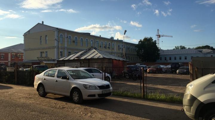 Власти отказали бизнесмену, который намеревался воткнуть многоэтажку на парковке в центре Ярославля