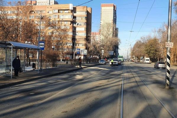 И водителям, и пешеходам нужно быть внимательными на таких участках дорог