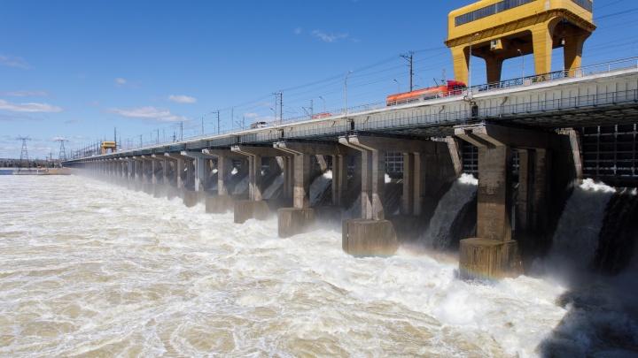 Воды стало еще больше: на Волжской ГЭС вновь увеличили сбросы
