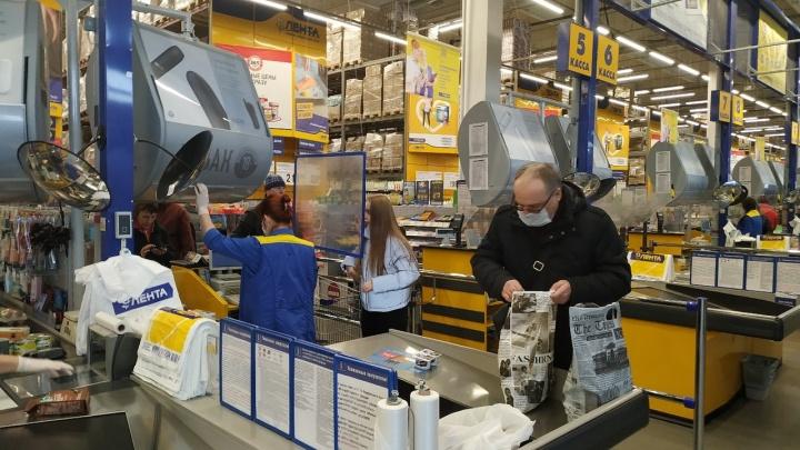 Гипермаркеты стали отказывать покупателям без масок — людей разворачивают прямо на кассе