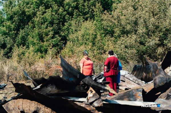 Жильцы барака подсчитывают убытки от пожара