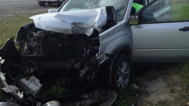 Уснула и влетела в столб: первые подробности аварии на трассе в Ярославской области