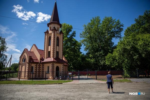 Рабочий посёлок Краснозёрское — место, где недавно появилась своя кирха (католический храм)
