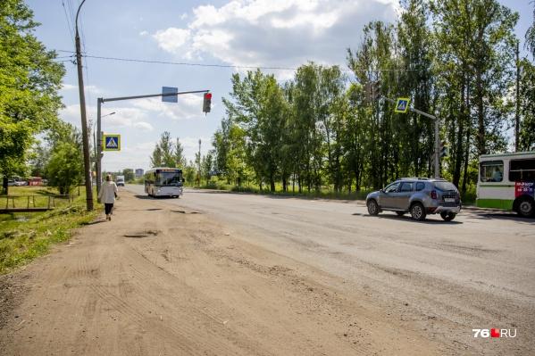 На участке Ленинградского проспекта от Волгоградской до Строителей планируют расширить дорогу и поставить надземные переходы