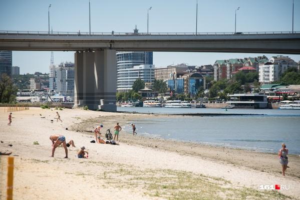 Так выглядел пляж в прошлом году. Будем надеяться, мы сможем увидеть его таким и в этом