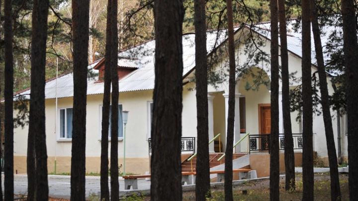 Замдиректора челябинского лагеря арестовали по делу о домогательствах к детям