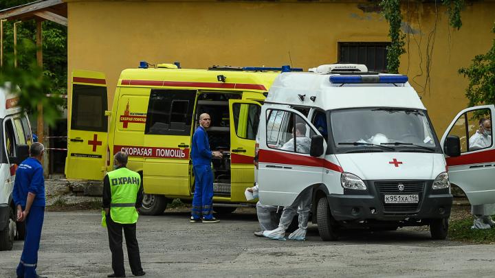 «Нас выставили на продажу»: на Урале медики и водители скорой помощи против работы на аутсорсинге