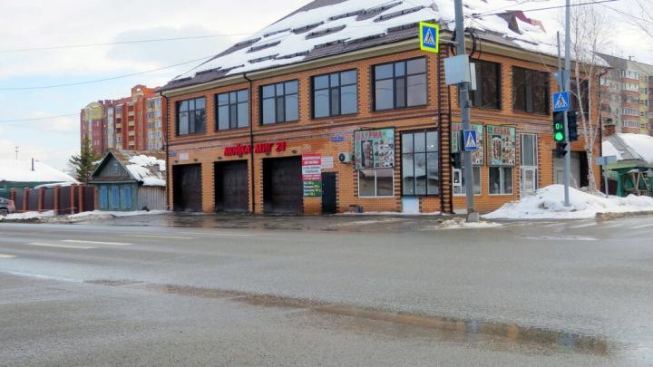 Администрация потребовала у бизнесмена снести двухэтажную автомойку в районе Московского тракта