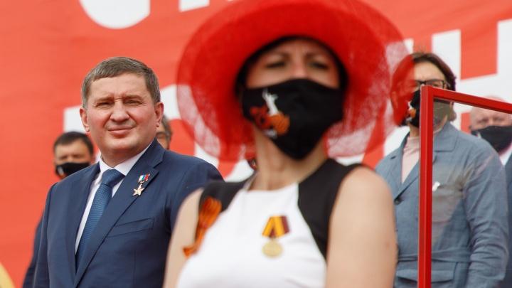 Депутаты, чиновники, знаменитости и ветераны: показываем, кого позвали на закрытый парад Победы в Волгограде