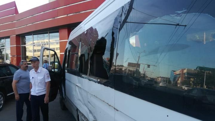 На Маркса два автобуса попали в аварию — пострадали два маленьких ребёнка