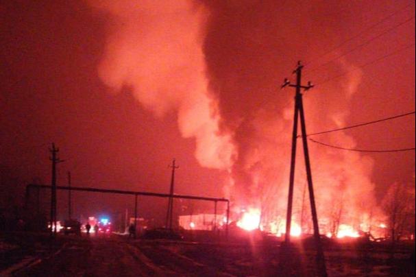 «Смотрю на это — это ужас»: в Ярославской области горит шоколадная фабрика