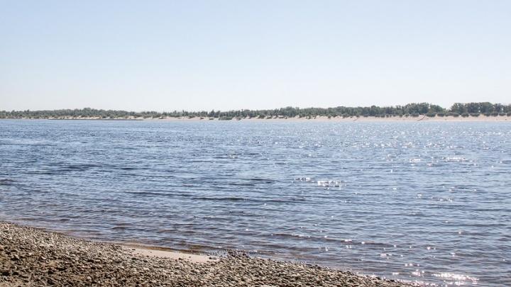 «Главное — не превращать всё в пьяную выходку»: волгоградец в начале ноября закрыл купальный сезон
