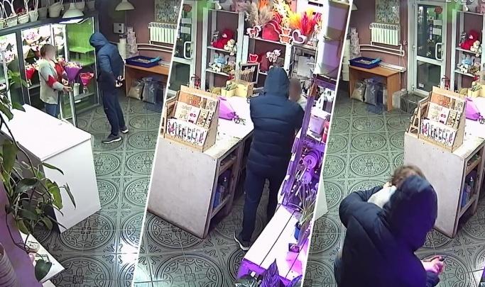 Попытка изнасилования в цветочном магазине: подозреваемый пришёл с повинной