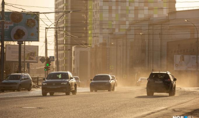 Дорожные службы пообещали сократить объём пыли в Новосибирске предстоящей зимой