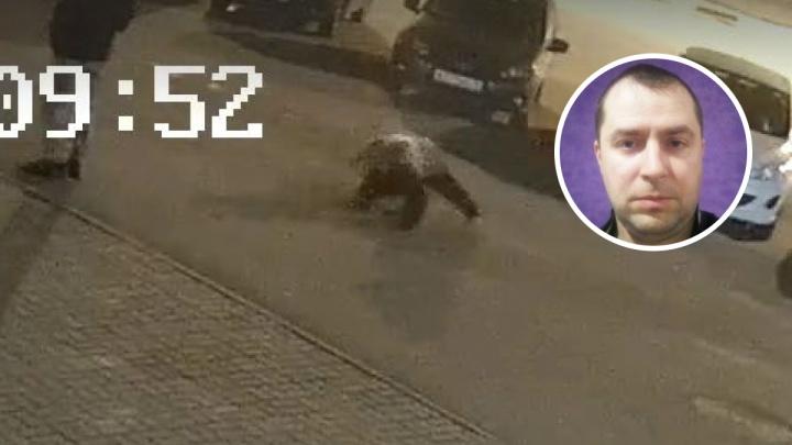 «Он был в шоке, я затащил его в машину»: таксист рассказал, как спас ярославца от напавшего медведя