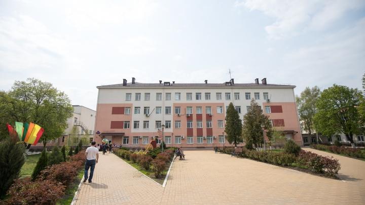 В ростовском лицее школьники и учителя заразились коронавирусом