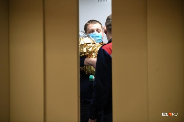 Полину привезли на вертолете в Областную детскую клиническую больницу