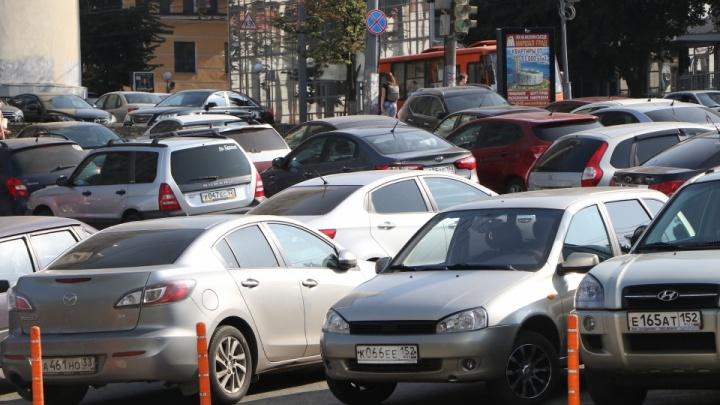Власти назвали сроки начала работы платных парковок в Нижнем Новгороде