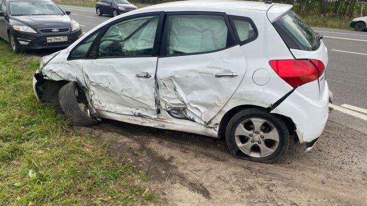 «Как Ефремов»: в Ярославской области пьяный водитель протаранил автомобиль на встречке